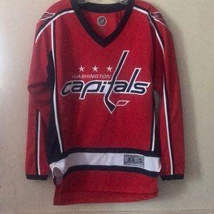 Men's XS red Washington capitals hockey jersey